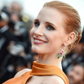 jessica-chastain-23.gif__760x0_q75_crop-scale_subsampling-2_upscale-false